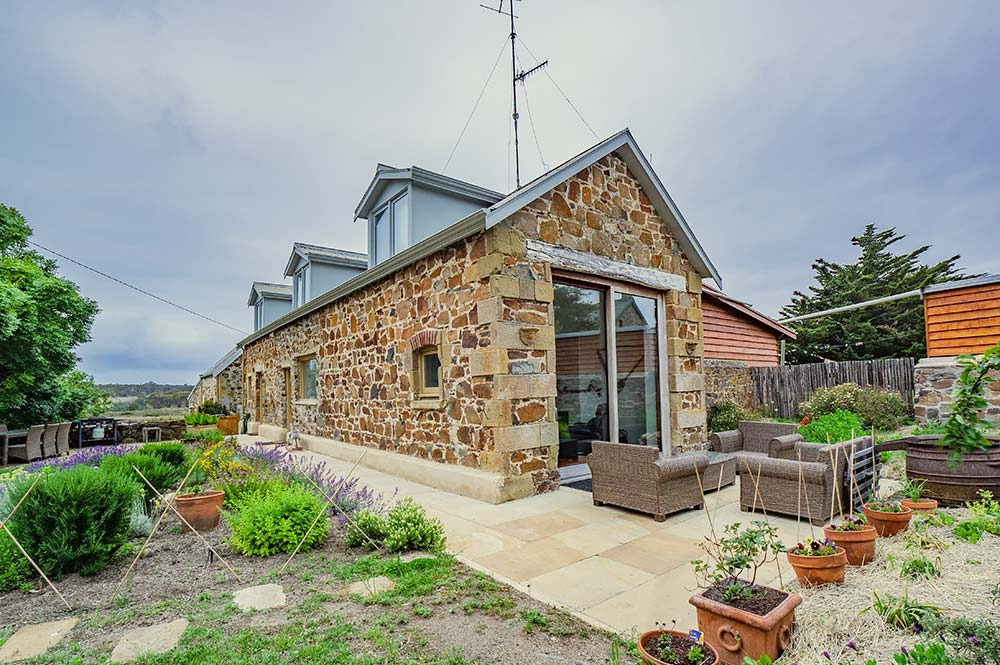 Coach House Accommodation Tasmania